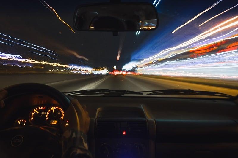 vehicle-on-road-2076627